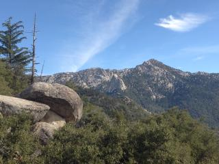 Amazing Views at Pine Rock Retreat Private Cabin, Idyllwild