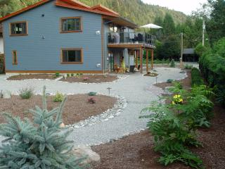 New & spacious vacation apartment near the lake, Harrison Hot Springs