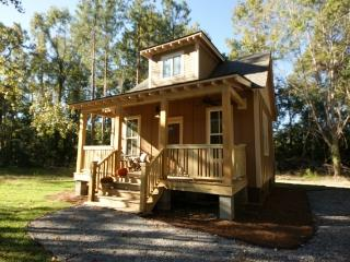 Country Cottage near Edisto River