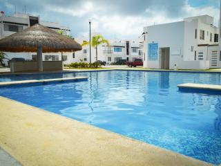 Apartment front pool with WIFI ACACIA 1, Playa del Carmen