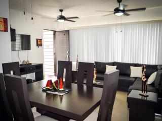 Apartment 3 Bedroom, 2 Bath, WIFI & Pool CLAVEL 1