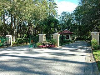Beautiful Villa - Remodeled! (1 month+ rental), Sarasota