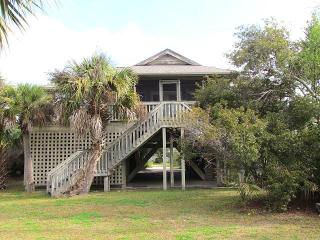 3516 Myrtle St. - 'Camp Hill By-the-Sea'