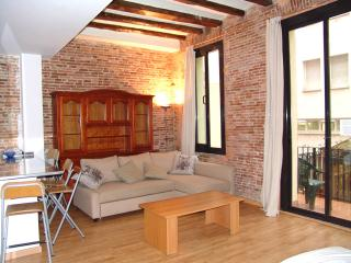 Old town 4 apartment 6 minutes from Las Ramblas, Barcelona