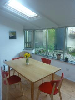 Dining room / conservatory looking into garden