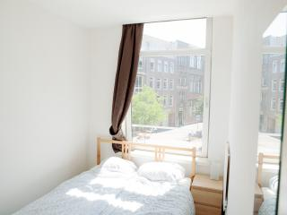Just Stay - Central Apartment West Kruiskade1