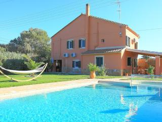 Villa Livadi: Luxury detached villa with private pool and beautiful gardens in