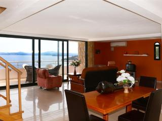 Three bedroom sea view maisonette, Barbati