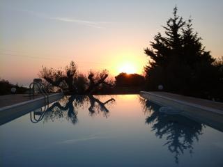 villa con piscina tra mare e monti, Trabia