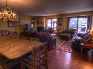Lodge at 100 W Beaver Creek 704, 4BD Condo, Avon