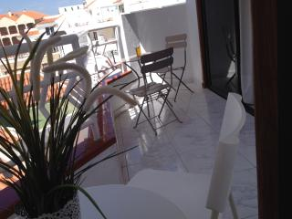 Los Cristianos - Large 2 bed 2 bath fully inclusive rate, no extras.