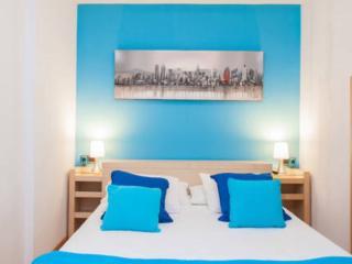 Confortable cama doble con colchon de latex