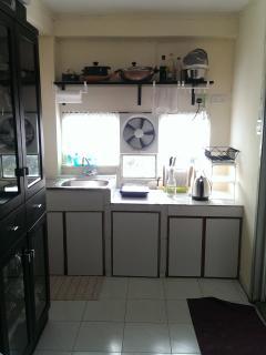 Open Kitchen/Dinning area
