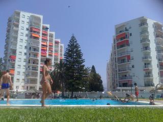 vista de los edificios desde la piscina