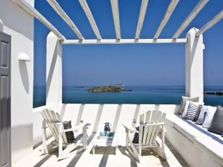Luxurious villa in Syros Island