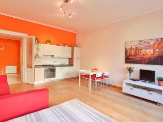 Orange apartment in center, Prague