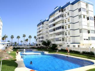 Primera linea de playa, 2 terrazas,garaje,piscina, Benalmadena