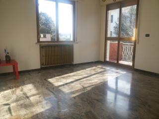 Rivabella- ampio appartamento con 9 posti letto