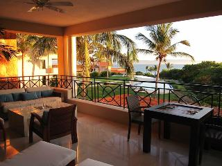 Luxury Beach Condo, Gated Punta Mita, Golf, Surf, Punta de Mita