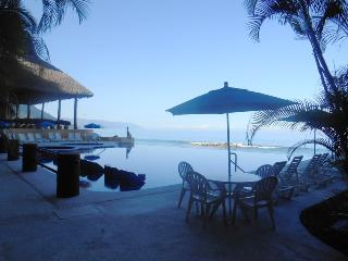 South Shore - Secluded Beachfront 3 BR Condo, Puerto Vallarta