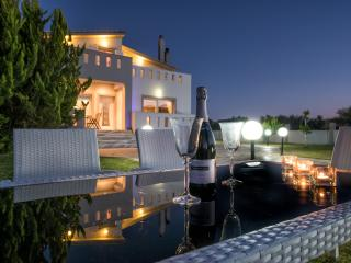 Astarte Villas - Muthee  Luxurious Private Villa, Laganas