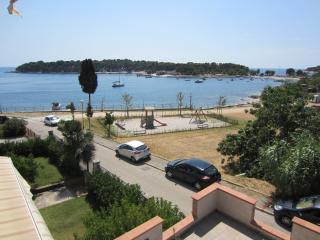 Beach view&garden view + FREE Parking, Pula