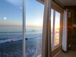Malibu Paradise - NEWLY RENOVATED!, Malibú