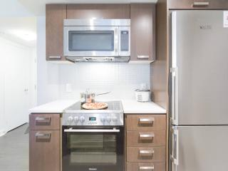 Awesome 2 Bed + 1 Bath w/ Balcony, Toronto