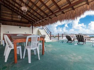 Condo Palma 3 bedroom ocean view huge space, Playa del Carmen