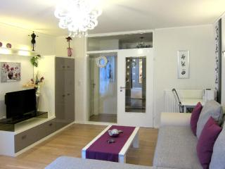 Vacation Apartment in Bremen - 431 sqft, comfortable, central, bright (# 5587), Brème