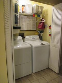 Hall: NEW '16 washer + dryer,  fire extinguisher, ALL licenses posted on wall!