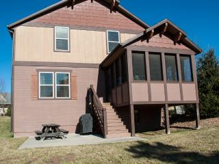 Modern Lodge in Branson Canyon  5 Bed, 4 Bath Home