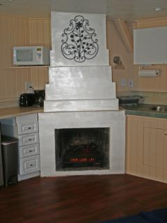 The newest Cottage feature is the elecrtric fierplace.  Provides heat and a relaxing atmosphere.