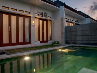 Villa Dencarik, Singaraja