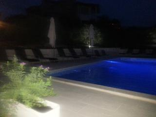 Apartments with swimming pool in Marina A3
