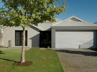 ** THE SANCTUARY LUXURY HOLIDAY HOME **, Dunsborough