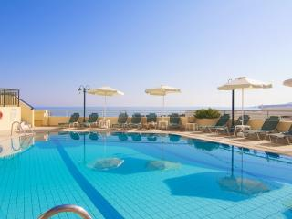 Family Apartments, beach accessible!, Réthymnon