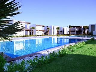 253-5 Bedroomed Luxury Summer Beach Villa Ortakent