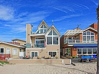 Oceanfront Family Beach Home! Spacious Patio on Sand! Sleeps 8!(68209)