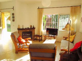 Villa with private garden - close to beach, Estepona