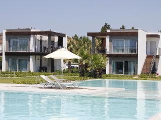253-5 Bedroomed Luxury Summer Beach Villa Ortakent