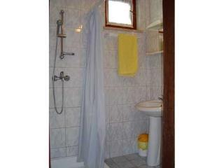 Apartment 750, Banjole