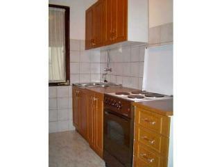 Apartment 748, Banjole