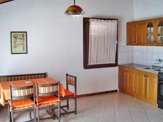 Apartment 749, Banjole