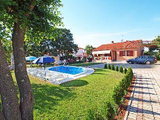 6 bedroom Villa in Pula Duga uvala, Istria, Croatia : ref 2298691, Pavicini
