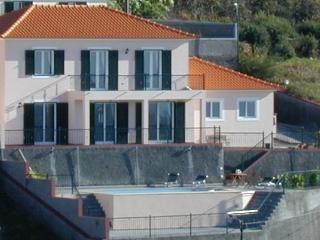 Large Luxury Villa with Private Heated Pool, Ribeira Brava