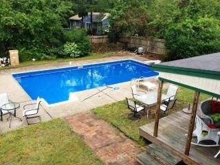 East Falmouth - 5 beds, Pool, AC, Pet-friendly