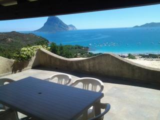 Sardinia beach house seaview  the sea 200/300 m, Porto Taverna