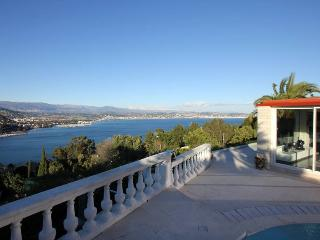 6115 Quality villa with panoramic sea views, Cannes
