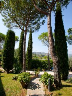 The  garden of villa Nuba  cottages rental in Perugia, Umbria